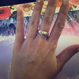 Jewelry - Sterling silver ring. Approximate size: 9-9.5